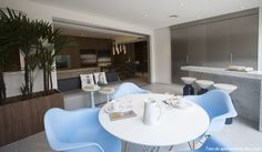 Vernissage Pinheiros: um projeto com personalidade. Veja: http://www.casadevalentina.com.br/blog/detalhes/vernissage-pinheiros:-um-projeto-com-personalidade-3033 #decor #decoracao #interior #design #casa #home #house #idea #ideia #detalhes #details #style #estilo #casadevalentina #diningroom #saladejantar