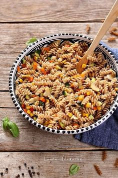 Romanian Food, Finger Foods, Pasta Salad, Food And Drink, Meals, Ethnic Recipes, Meal Ideas, Projects, Vegans