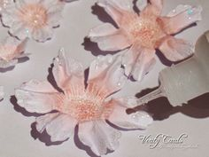 Verity Cards: Emboss Resist Flowers using Heartfelt Creations Arianna blooms stamps/dies Paper Flower Tutorial, Paper Flowers Diy, Flower Cards, Handmade Flowers, Felt Flowers, Fabric Flowers, Heartfelt Creations Cards, Scrapbooking, Card Tutorials