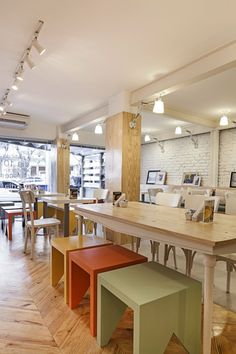 Padarie Cafe by CRIO Arquiteturas - Porto Alegre - Brasil #varejo #retail #padaria #bakery #retaildesign #shop #loja #store #café #coffeestore #brasil #brazil