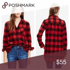 MADEWELL flannel ex boyfriend shirt buffalo check Gently used condition -no stains or damage. 100% cotton -machine wash. Chest is 18 inches when buttoned and lying flat. 25 inches from top of shoulder to bottom hem. Fits true to size. ❌no trades or paypal❌ Madewell Tops Button Down Shirts