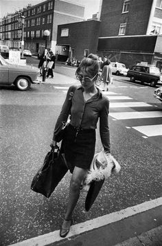 History Of Photography, Candid Photography, Artistic Photography, Photography Women, Book Photography, Street Photography, Garry Winogrand, Black And White Portraits, Black And White Photography
