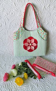 Little bag and pouches- BEST gift to sew for a little girl via @getagrama