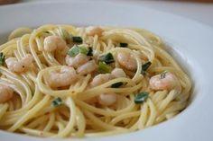 Spaghetti mit Garnelen-Sahnesauce