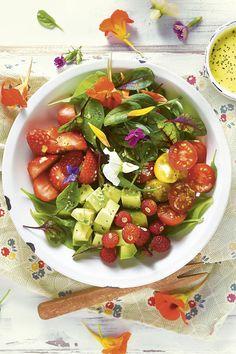 Ensaladas de verano fáciles y apetecibles Healthy Recipes For Weight Loss, Quick Easy Meals, Healthy Dinner Recipes, Vegan Recepies, Avocado Salat, Free Meal Plans, Healthy Cookies, Food Waste, Easy Snacks