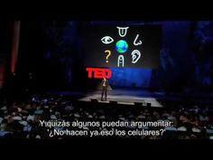 Pattie Maes Sixth sense device TED.  Pattie Maes es uno de los principales exponentes en interactividad. Sin duda TED es una de las plataformas que está revolucionando nuestro presente y sin duda cambiará nuestra forma de ver las cosas. Las posibilidades en educación son infinitas. Quería compartir esto con vosotros ya que admiro mucho el trabajo de Pattie en el MIT. Bienvenidos a Minority Report :)