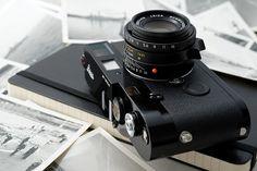 Leica MP, black paint by Istvan Penzes, via Flickr