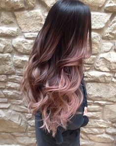 Cascading Pink Waves with Ombre Bayalage. Are you looking for rose gold hair color hairstyles? See our collection full of rose gold hair color hairstyles and get inspired! Cabelo Rose Gold, Ombre Rose Gold Hair, Purple Hair, Black Hair Ombre, Pastel Ombre Hair, Dyed Hair Ombre, Ombre Hair Style, Rose Gold Baylage, Brown Hair Ombre Purple