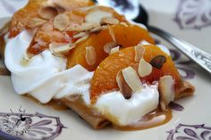 Tartelettes bretonnes aux pêches pochées
