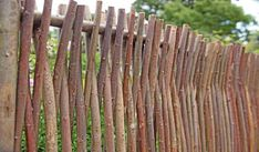 3 Unbelievable Tips and Tricks: Front Yard Fence Landscaping Backyard Fence Up.Garden Fence For Rabbits Backyard Fence Styles. Garden Fence Panels, Front Yard Fence, Farm Fence, Garden Fencing, Low Fence, Fence Plants, Lattice Fence, Brick Fence, Concrete Fence