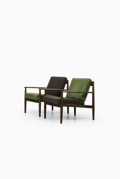Grete Jalk easy chairs model 118 at Studio Schalling