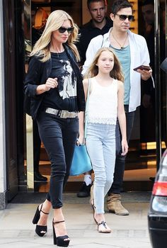 Only Kate Moss can pull off the rocker mom look so perfectly in her Siwy Hannah Slim Crop Jeans and Gucci platforms