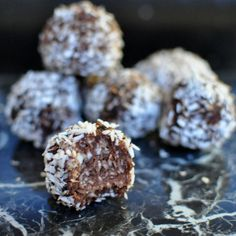 Discover recipes, home ideas, style inspiration and other ideas to try. Raw Dessert Recipes, Raw Food Recipes, Healthy Recipes, Healthy Tips, Healthy Foods, Laura Lee, Lchf Meal Plan, Lchf Diet, Healthy Sweets