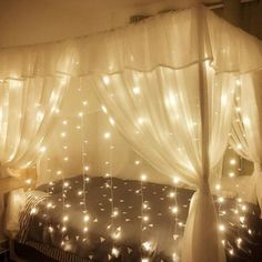 LED Window Fairy Lights, 594 LED Curtain String Lights, 8 Modes, Warm White Icicle Light for Christmas/Halloween/Wedding/Party Backdrops Stylish Bedroom, Cozy Bedroom, Room Decor Bedroom, Bedroom Kids, Garden Bedroom, Dream Rooms, Dream Bedroom, Minimalistic Room, Cama Design