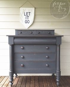 Dresser painted by Amanda of Ferpie and Fray in Queenstown Gray by General Finishes Annie Sloan Painted Furniture, Blue Painted Furniture, Painting Old Furniture, Painted Chairs, Distressed Furniture, Repurposed Furniture, Painted Dressers, Diy Furniture Projects, Furniture Styles