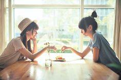 #ulzzang #friends #girl #table #window #cute