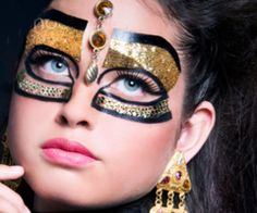 """Find and save images from the """"Masquerade"""" collection by Kitty (kitty_simmons) on We Heart It, your everyday app to get lost in what you love. Egypt Makeup, Cleopatra Makeup, Drama Masks, Performance Makeup, Theatre Makeup, Fantasy Makeup, Costume Makeup, Creative Makeup, Halloween Makeup"""