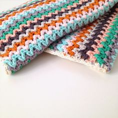 Annemarie's Haakblog: New baby blanket - free pattern download for V-stitch blanket