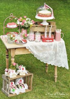 Cake stands para bodas y fiestas. Candy Bar rústica