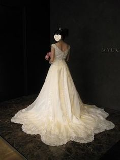 【必見】ラインが綺麗なウェディングドレス写真集(数点試着時画像もあり) - NAVER まとめ