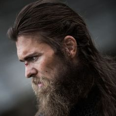 49 Badass Viking Hairstyles For Rugged Men Guide) - New Site Viking Beard Styles, Beard Styles For Men, Hair And Beard Styles, Short Hair Styles, Long Mohawk, Top Hairstyles, Viking Hairstyles, Crazy Hairstyles, Popular Beard Styles