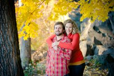Beautiful Bend Oregon fall wedding engagement session.