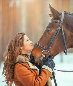 Mammals equine photography girl, country senior picture id. Horse Senior Pictures, Pictures With Horses, Country Senior Pictures, Horse Photos, Senior Pics, Horses In Snow, Cute Horses, Show Horses, Beautiful Horses