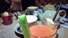 Puro - Sonntags-Brunch à la Carte im Club-Style Bloody Mary, Club Style, Paradise, Breakfast, Cards, Brunch Ideas, Morning Coffee, Heaven, Morning Breakfast