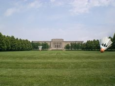 Nelson-Atkins Museum of Art One of Time magazine's 10 new and upcoming architectural marvels.