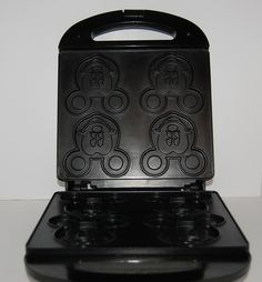 MICKEY MOUSE WAFFLE MAKER 4 AT A TIME - IN SEARCH OF!!!