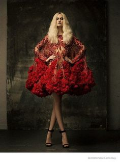 Luxury woman, fashion woman, lux & lifestyle. For More Inspirations: http://www.bocadolobo.com/en/inspiration-and-ideas/
