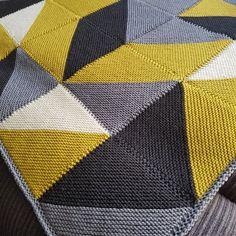 Modern Blanket Knitting Pattern by Buzybee - . Modern Blanket Knitting Pattern by Buzybee - , Moderne Blanket Knitting pattern by Buzybee - Knitted Afghans, Knitted Blankets, Free Knitting, Baby Knitting, Knitting Projects, Crochet Projects, Modern Blankets, Knitting Patterns, Crochet Patterns