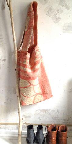 Wool Bag Pink van NewCools op Etsy, €12.95