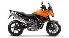 KTM 990 Supermoto touring. Trying one out at the moment.