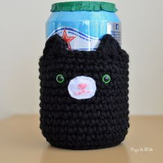 After the Mason Jar Bear Cosy I couldn't help myself but make another cosy, this time for a canned (or bottled) drink. Introducing the Cat Cosy! Just like the Bear Cosy, this pattern can be a…