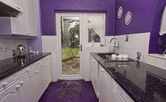 RENOVAÇÃO: Casa completamente decorada de roxo é anunciada po...
