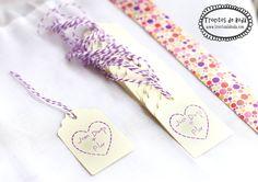 Etiquetas Simply estampadas en lila con baker twine morado y blanco. www.trocitosdeboda.com