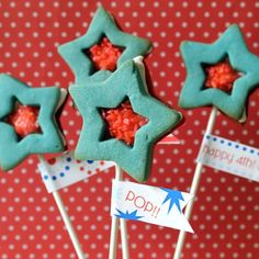 Red, White and Blue star sandwich cookie pops for the 4th of July, with Pop Rocks! | The Decorated Cookie