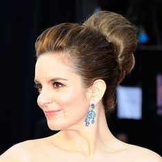 One of the best updos of the night.  Nice profile.