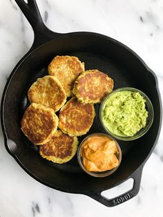 Healthy and simple tuna avocado cakes made with just four ingredients and ready in 30 minutes! Delicious recipe using your favorite canned tuna! Tuna Recipes, Seafood Recipes, Paleo Recipes, Cooking Recipes, Alkaline Recipes, Budget Recipes, Dinner Recipes, Paleo Meals, Bariatric Recipes