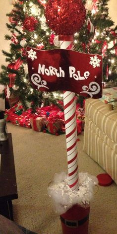 Inspiring Diy Christmas Door Decorations Ideas For Home And School 03 Ward Christmas Party, Office Christmas, Simple Christmas, Christmas Projects, Christmas Home, Christmas Holidays, Kids Holidays, Candy Cane Christmas, Disney Christmas