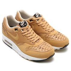 Metallic Golden Tan accenten op de Nike Air Max 1 Premium