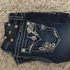 Miss Me Jeans❗️lower price Never been worn size 14 petite juniors or size 0 women's. Miss Me Jeans Straight Leg