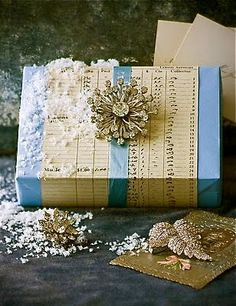 links to many gift wrap ideas