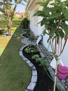 Flower Landscape Design Ideas to have a Colorful Garden Garden Fence, Garden Landscape Design, Garden Decor, Easy Landscaping, Backyard Landscaping Designs, Landscaping Tips, Garden Edging, Backyard Landscaping, Backyard
