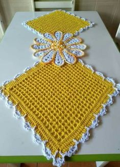 New Crochet Patrones Ganchillo Cuadrados 28 Ideas crochet Crochet Mat, Crochet Fish, Quick Crochet, Crochet Home, Thread Crochet, Crochet Stitches, Crochet Table Runner, Crochet Tablecloth, Crochet Doilies
