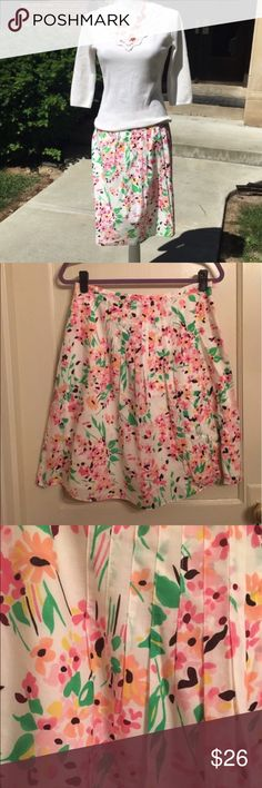 "Talbots Petites Floral Print Skirt Super cute and versatile skirt from talbots. Perfect for a work day or weekend fun.   Fully Lined                   Waist: 29"".                                                                 Length:  22 1/2"" Talbots Skirts A-Line or Full"