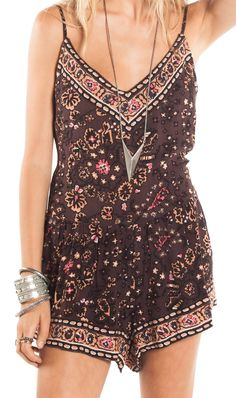 bohemian romper boho style brown pink casual outfit beach vida bling amuse society outfit ideas
