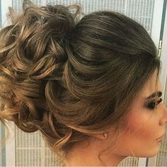 fabulous Weddig Hair ideas for round faces 509 Prom Hairstyles For Short Hair, Hairstyles Haircuts, Pretty Hairstyles, How To Make Hair, Hair Dos, Hair Hacks, Bridal Hair, Hair Inspiration, Curly Hair Styles