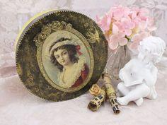 Souvenir en bois boîte petite boîte en bois bois bijoux boîte à bijoux cadeau boîte Vintage boite petits bijoux boîte découpage Renaissance boîte boîte Art